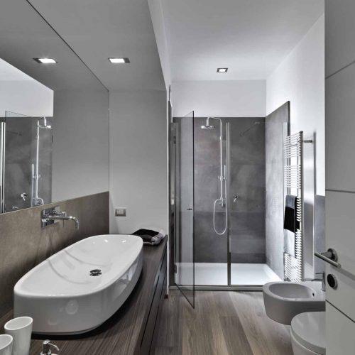 Bathroom-cleaning-scaled.jpg